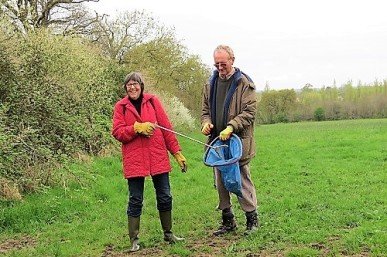 Sarah and Alan, regular litter pickers